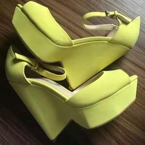 Never worn, Yellow wedges, Shoe Dazzle, 7